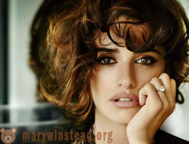 Post adoration of Penelope Cruz