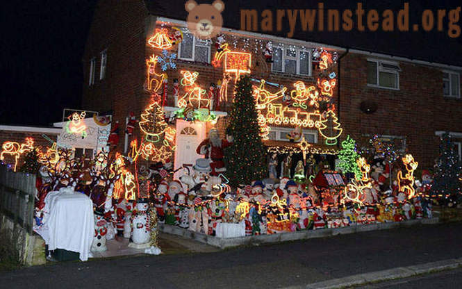 Unusual Christmas light decoration on British homes