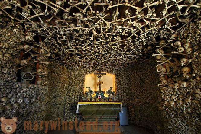 Travel crypts and chapels of Europe, Asia and Africa