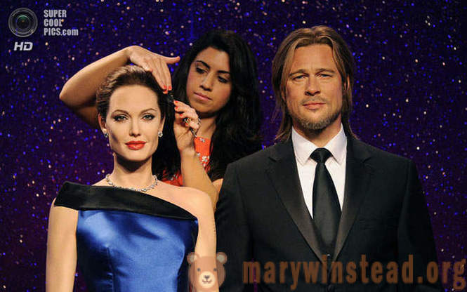 Celebrities and their wax doubles